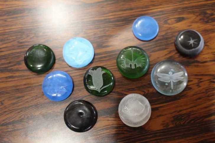 おしゃれなガラス玉を貼るワークショップで子供が大盛り上がり!【つくでまめな会】 (2)