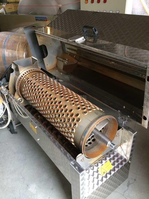 ワインの王様のぶどう品種「ピノ・ノワール」を使う山梨のワイナリーを見学してきたよ! (6)