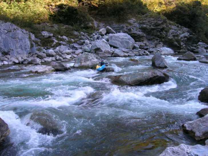 高知の吉野川を8年ぶりに見て、大学時代の四国カヌーツーリングを思い出した。カヌーよもやま話。 (4)