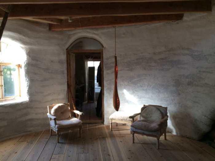 セルフビルドの面白い家が立ち並ぶ理想空間が和歌山にあった!【アースバックハウス・ストローベイルハウスetc】 (17)