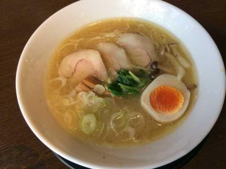 豊田市「麺創なな家」のラーメンはにぼしが一番好きかも・・・【おすすめラーメンレビュー】 (4)