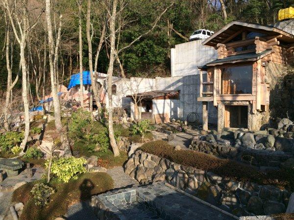 伊豆のスターヒルズのログハウスと作りかけのアースバックハウスがすごすぎた!【静岡】 (6)