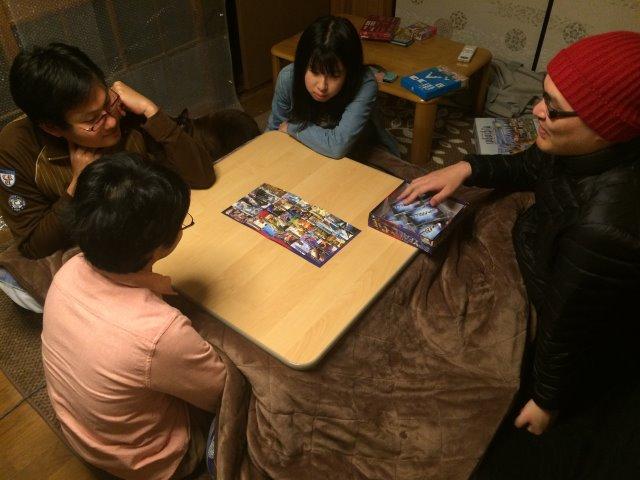 頭を使わずみんなでわいわい楽しむボードゲームを探しているなら・・・「スパイフォール」が超おすすめ! (2)