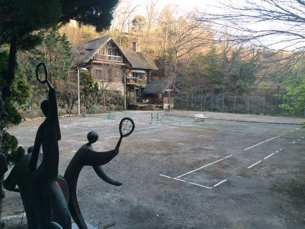 伊豆のスターヒルズのログハウスと作りかけのアースバックハウスがすごすぎた!【静岡】 (31)