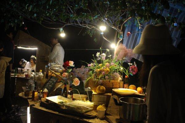 畑に素敵な空間を演出し、採れたて野菜の料理が並ぶファームキャンプパーティーが楽しすぎた! (14)