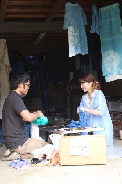 藍染めのワークショップを開催したよ。衣食住の衣のワークショップって珍しいのかも。 (6)
