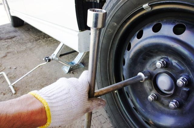 タイヤ交換の写真