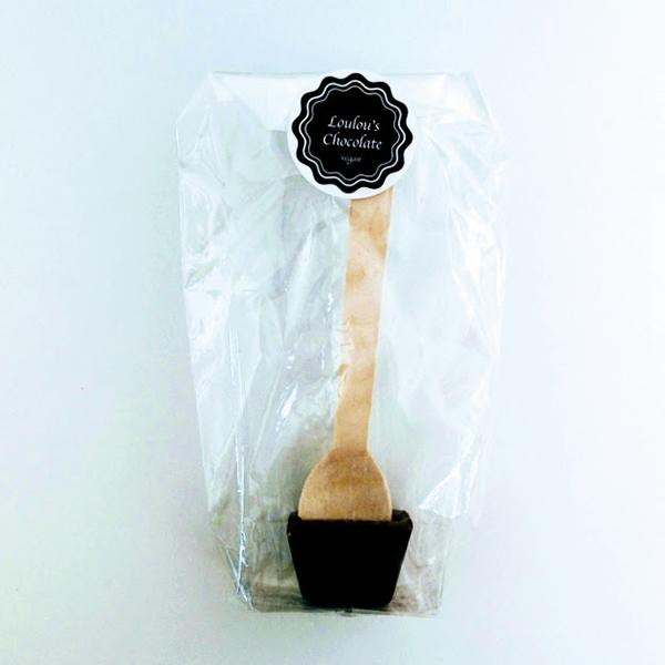 vegan hot chocolate spoon Loulou's Chocolate vegan warme chocolade