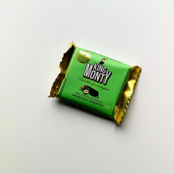hazelnut crunch snacking size vegan chocoalde 33gr