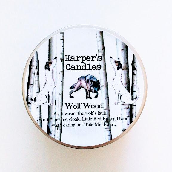 vegan geurkaars wolf wood van Harper's Candles