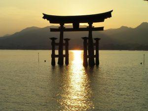 sunset-at-miyajima-1234881-640x480