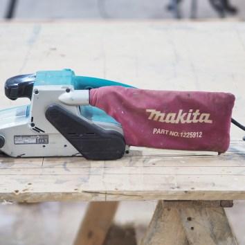 Ponceuse à bande Makita - La Fabrique du Dégrad