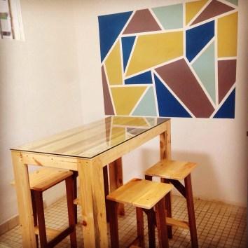 Table haute palettes et tabourets - TAKARI DESIGN
