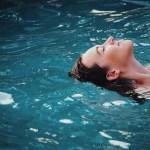 カラダの硬い方は必見!泳げなくても問題無し!水中運動のススメ
