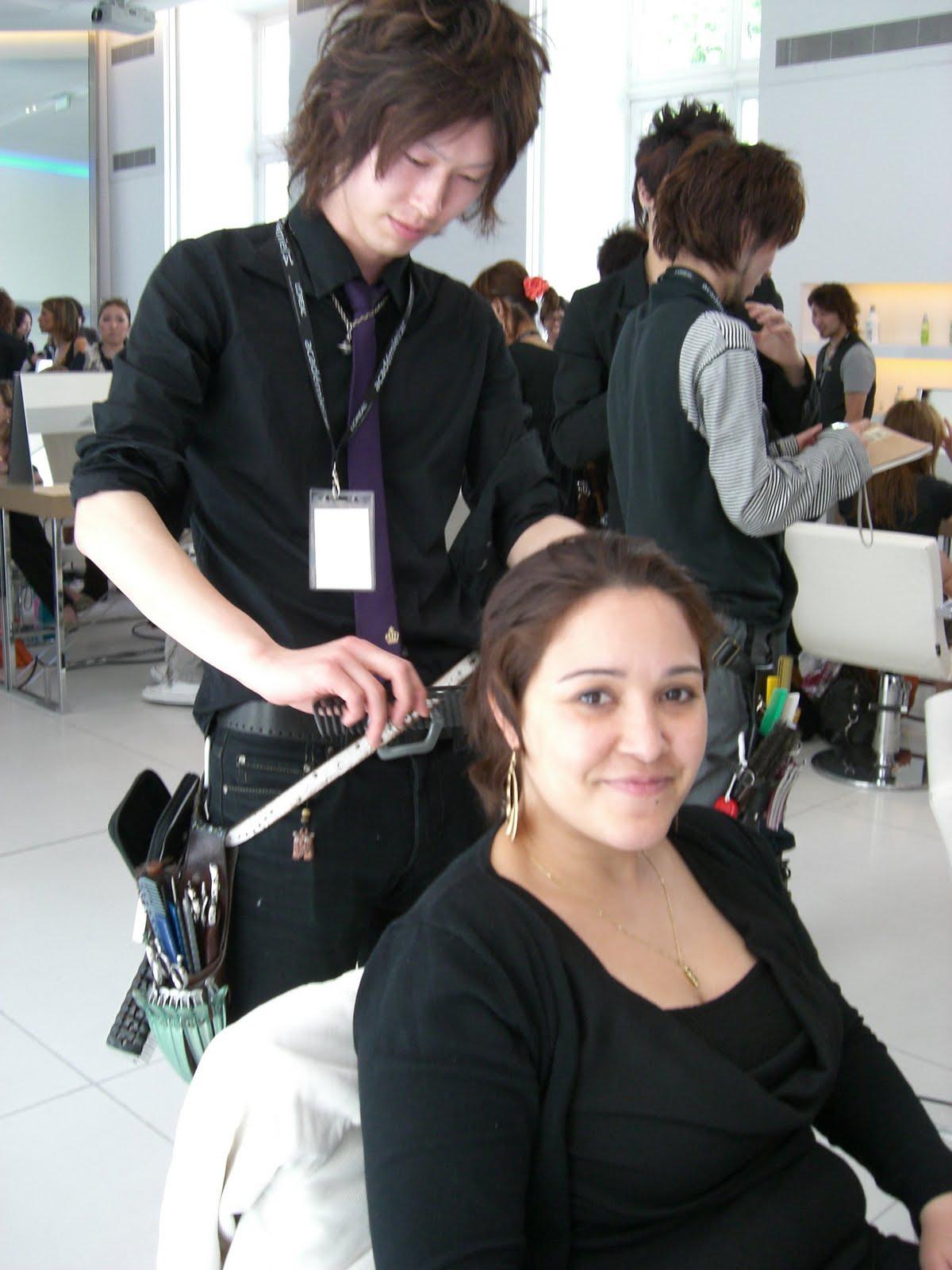美容師イイノ