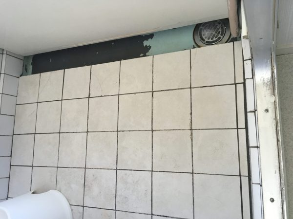 既存浴室床タイル