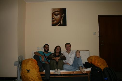 1st experience of couchsurfing : Us, the couch and our great host