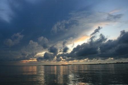 14 Utila sunset