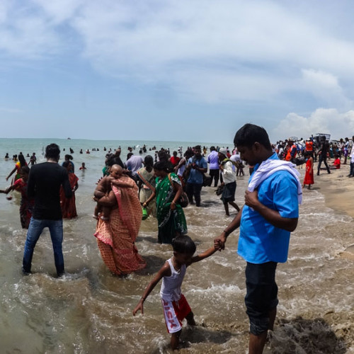 Crowded beach in Velankanni