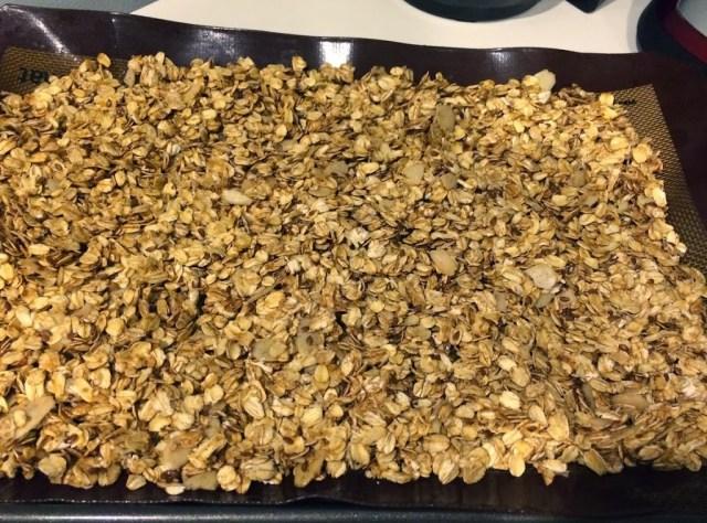 Homemade Cinnamon Granola for #LeftoversClub