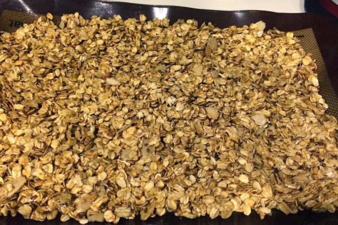 Homemade Cinnamon Granola for #LeftoversClub