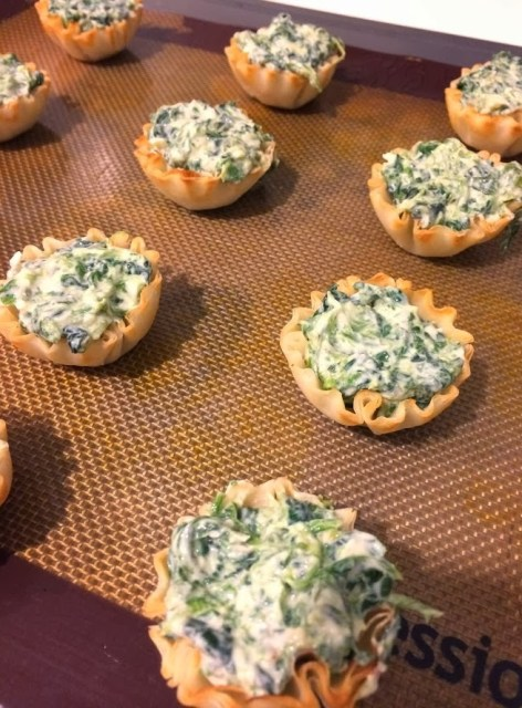 Mini Spinach Cups #FootballPartyApps