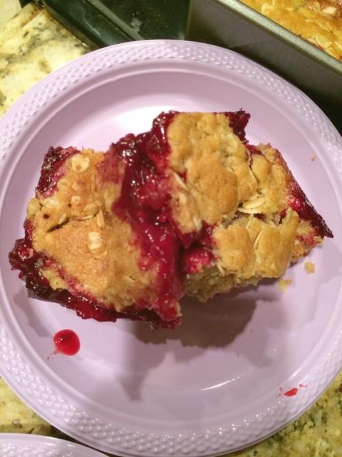 blackberry oatmeal cookie crumble bars