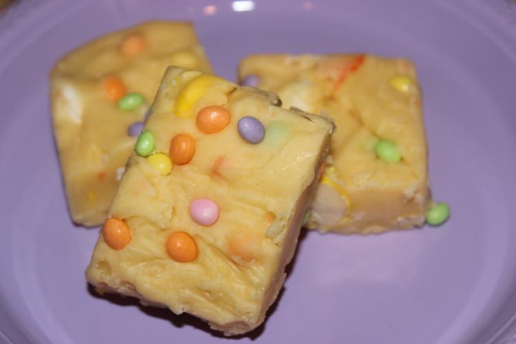 Cake Batter Fudge Bars #leftoversclub