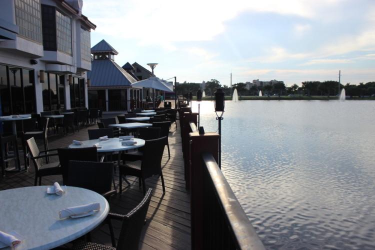 Rafina Greek Taverna in Boca Raton