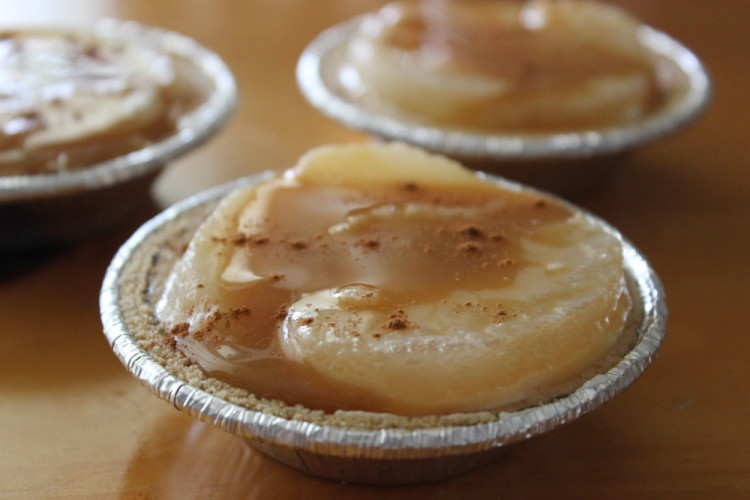 Mini Caramel Apple Pies #EffortlessPies #CollectiveBias