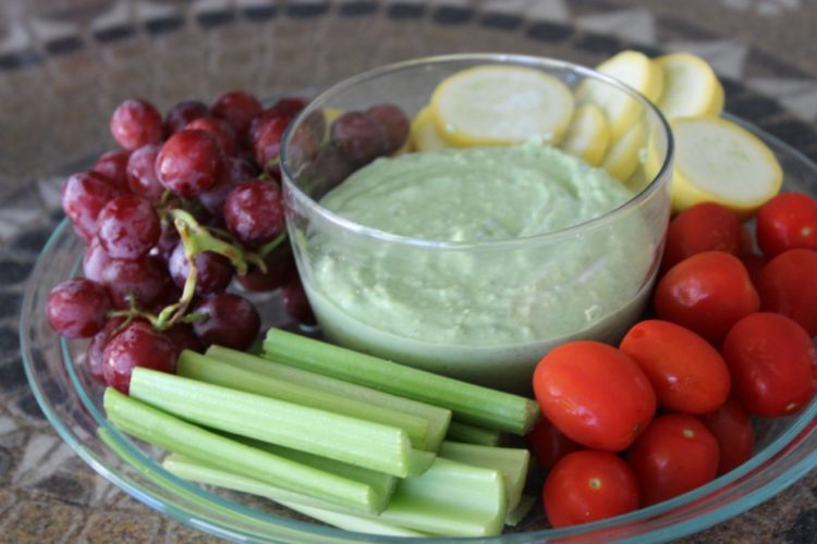 Spinach Pesto Greek Yogurt Dip with Veggies
