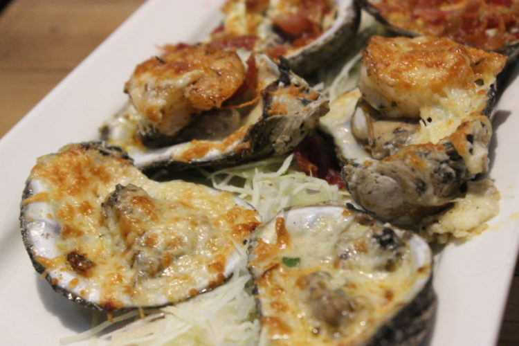 Papa's Raw Bar Oysters