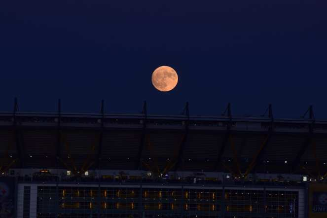 super moon rising over heinz field pittsburgh