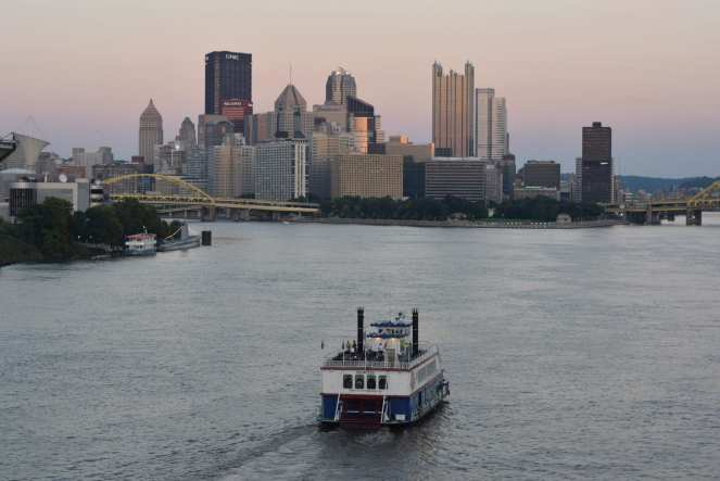 Gateway clipper pittsburgh sunset city skyline