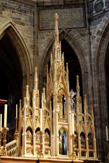 mini church miniature wooden model st vitus cathedral prague castle