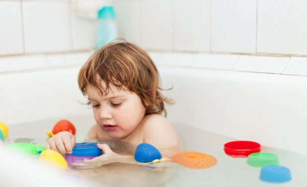 How to Clean Bath Toys in The Washing Machines