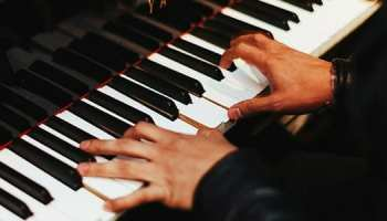 Keyboard vs piano what do new students need 8 practical tips for learning piano as an adult fandeluxe Gallery