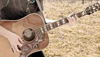 Gibson vs  Fender: Which Brand Do Pro Guitar Players Prefer
