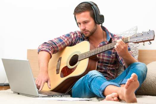 Three Legit Places to Find the Best Free Guitar Lessons ...