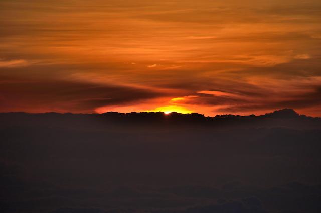 槍ヶ岳 頂上 夜明け