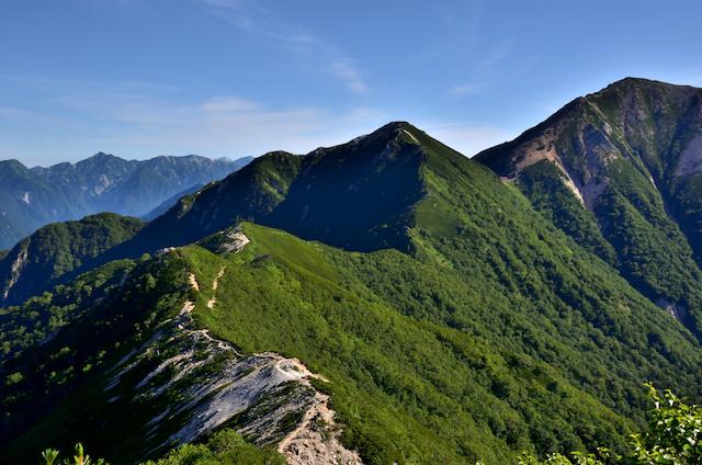 表銀座縦走コース ビックリ平〜ヒュッテ西岳 大天井岳方面の眺め