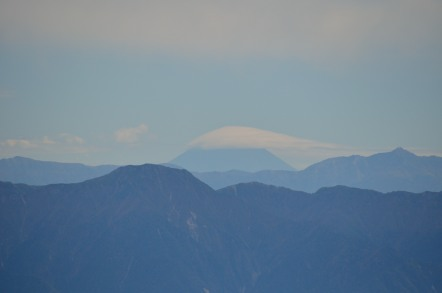 御嶽山から見た富士山