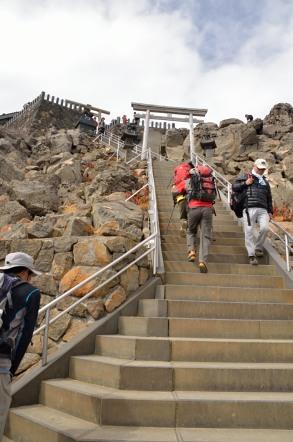 御嶽山 頂上の階段