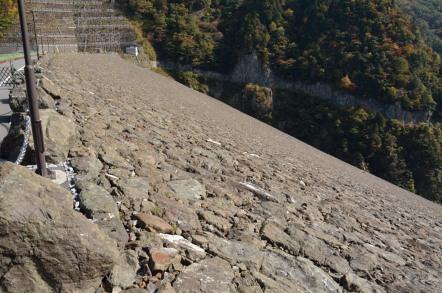 徳山ダム ロックフィルダム