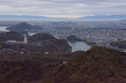 継鹿尾山 三角点 東屋からの眺め