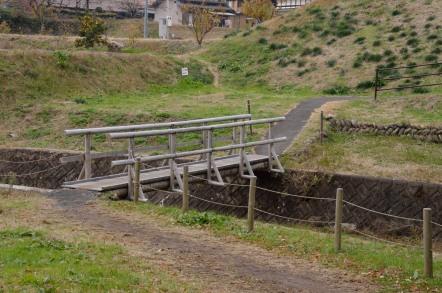 鳩吹山 カタクリ口 橋