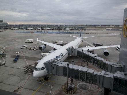 LH737便 フランクフルト 空港 A340-600