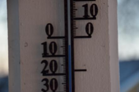ケーブルカー 乗り場 温度計 気温計