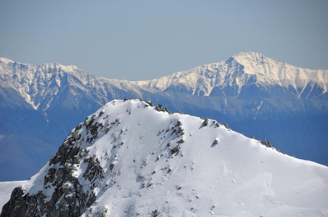 木曽駒ヶ岳 中岳山頂 伊那前岳方面