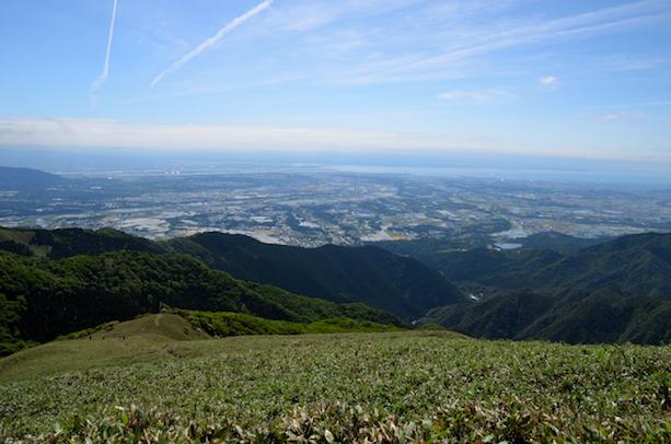 竜ヶ岳 山頂からの眺め 四日市市・鈴鹿市・伊勢湾方面